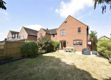 3 bed semi-detached house for sale in Pipers Mead, Bicester, Oxfordshire OX25