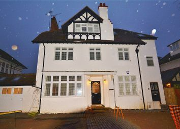 3 bed flat to rent in The Avenue, Bushey, Hertfordshire WD23