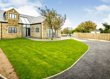 Thumbnail 3 bed detached house for sale in Carr Mount, Kirkheaton, Huddersfield, West Yorkshire