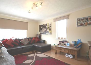 Thumbnail 1 bed flat to rent in Porlock Place, Calcot, Reading