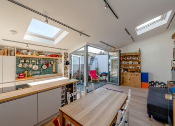 3 bed maisonette for sale in Sussex Way, Archway N19