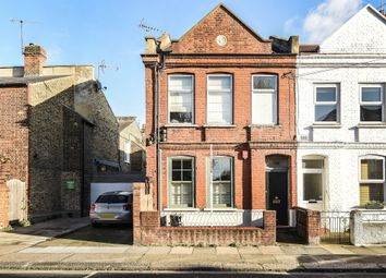 Thumbnail Flat for sale in Farm Lane, London