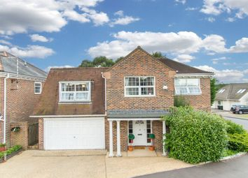 Thumbnail 5 bedroom property to rent in Westfield, Loughton