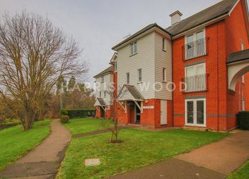 Thumbnail 2 bed flat for sale in Victoria Chase, Colchester
