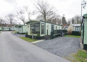 Thumbnail 2 bed mobile/park home for sale in Rayrigg Road, Windermere