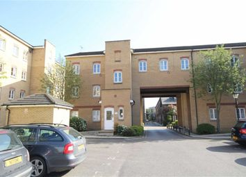 Thumbnail 2 bedroom flat for sale in Gidea Park, Essex