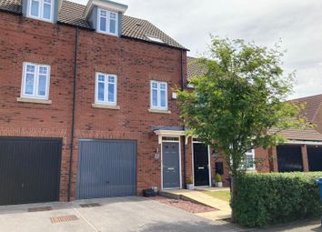 Thumbnail 3 bed terraced house for sale in Ravensbury Park, Kingswood, Hull