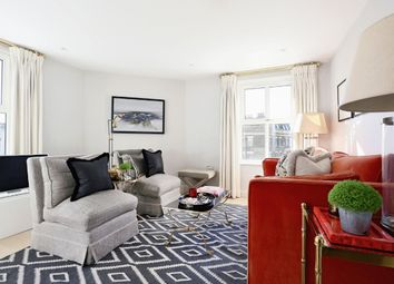 2 bed flat to rent in Greyhound Road, London W6