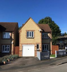 3 bed detached house for sale in Periwinkle Close, Swindon SN2