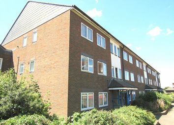 Thumbnail 2 bed flat to rent in Ingram Crescent West, Hove