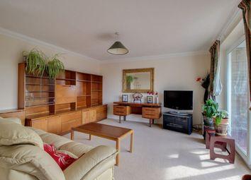 Old Road, Linslade, Leighton Buzzard LU7. 3 bed flat