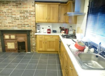 Thumbnail 2 bed flat to rent in Compton Street, Ashbourne, Derbys.