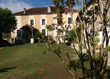 Thumbnail 5 bed country house for sale in Near, Montmoreau-Saint-Cybard, Angoulême, Charente, Poitou-Charentes, France