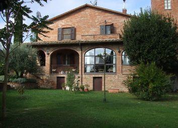 Thumbnail 5 bed farmhouse for sale in Loc. Cantagallina, Castiglione Del Lago, Perugia, Umbria, Italy