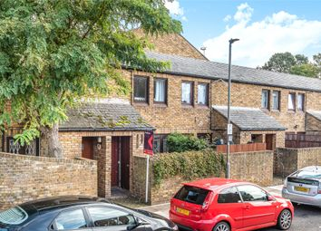 Thumbnail Terraced house to rent in Kennet Close, London