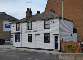 Thumbnail Pub/bar for sale in Barrack Row, Gravesend