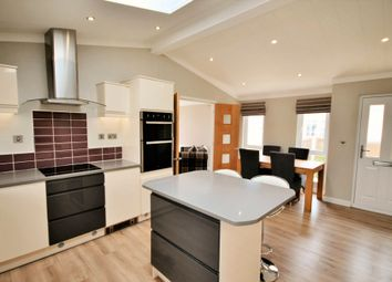 Thumbnail 2 bed mobile/park home for sale in Appleacre Park, London Road, Fowlmere