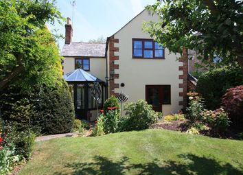 Thumbnail 3 bed cottage for sale in The Green, Highworth, Swindon