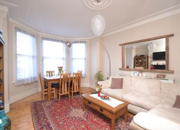 Thumbnail 2 bedroom flat for sale in Colney Hatch Lane, Muswell Hill