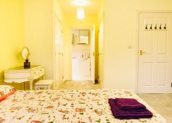 Thumbnail Room to rent in Lynbrook Grove, London