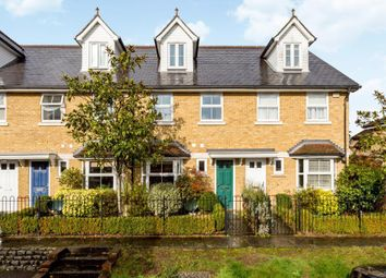 Upper Village Road, Ascot SL5. 3 bed terraced house