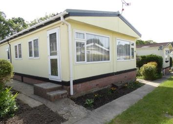 Thumbnail 2 bed mobile/park home for sale in Waterloo Road, Corfe Mullen, Wimborne