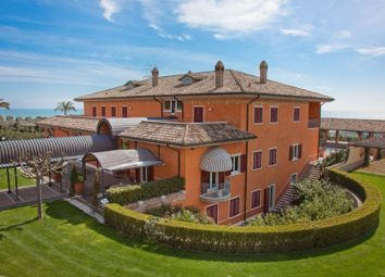 Thumbnail 6 bed villa for sale in San Benedetto Del Tronto, San Benedetto Del Tronto, Ascoli Piceno