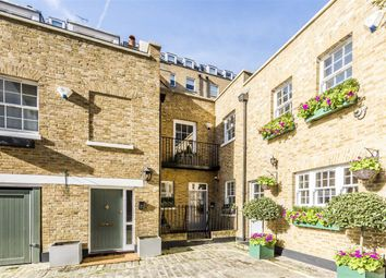 Thumbnail 4 bed flat to rent in Montagu Mews West, London