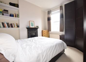 Thumbnail 4 bed flat to rent in Stoneleigh Road, London