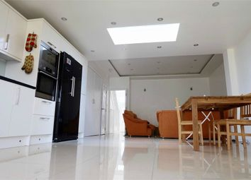 Thumbnail 5 bed terraced house to rent in Undine Street, Tooting, London