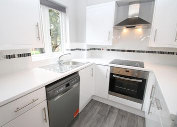 Thumbnail 2 bedroom flat to rent in The Maples, Granville Road, St Albans