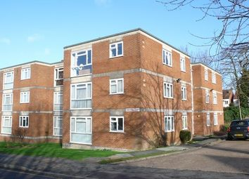 Thumbnail 1 bed flat to rent in Downs Road, Sutton, Surrey
