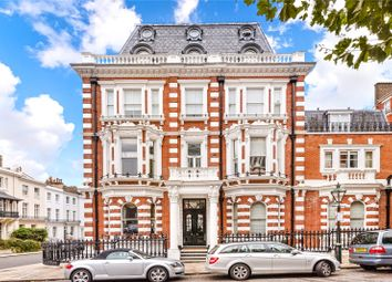 Thumbnail 3 bedroom maisonette to rent in Observatory Gardens, Kensington, London
