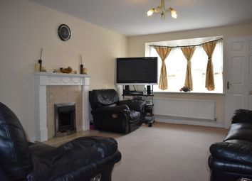 3 bed terraced house to rent in Pettacre Close, West Thamesmead, London SE28