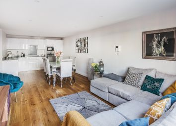Albert Road North, Reigate RH2. 2 bed flat for sale