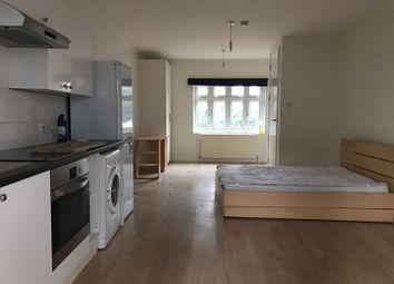 Thumbnail Studio to rent in The Terrace, Hendon Lane, London