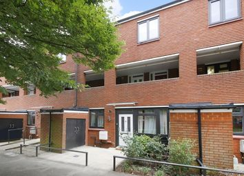 2 bed maisonette for sale in Stoneycroft Close, London SE12