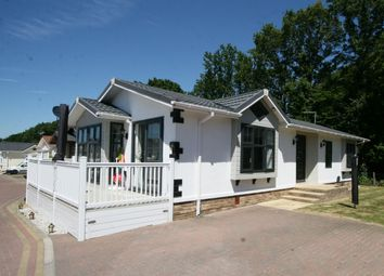 2 bed mobile/park home for sale in Woodlands Park, Biddenden TN27