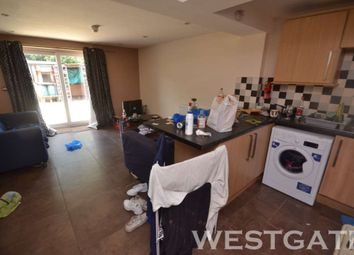 Thumbnail 6 bedroom terraced house to rent in Blenheim Road, Reading