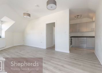 2 bed flat to rent in Wycliffe Close, Cheshunt, Hertfordshire EN8