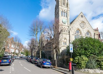 Thumbnail 2 bed flat to rent in Cromwell Avenue, Highgate
