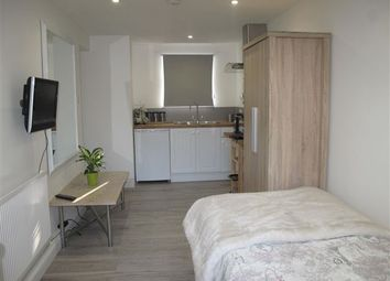 Thumbnail Property to rent in Epping Walk, Crawley