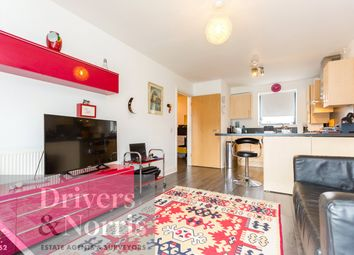 Thumbnail 1 bed flat to rent in Hercules Place, Holloway, London