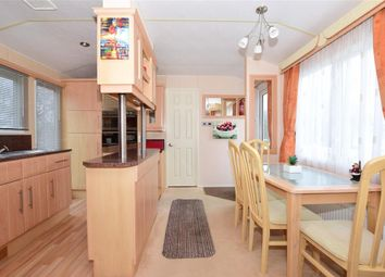 2 bed mobile/park home for sale in Thorness Lane, Cowes, Isle Of Wight PO31
