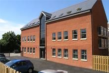 Thumbnail Commercial property to let in Station Approach, Leeds