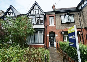 Thumbnail 5 bed terraced house for sale in Victoria Avenue, Princes Avenue, Hull
