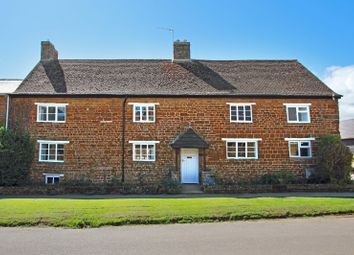3 bed property to rent in Croft Lane, Adderbury, Oxfordshire OX17