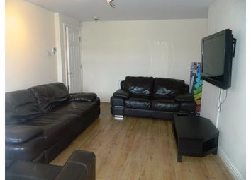 Thumbnail 6 bed shared accommodation to rent in Warwick Street, Heaton