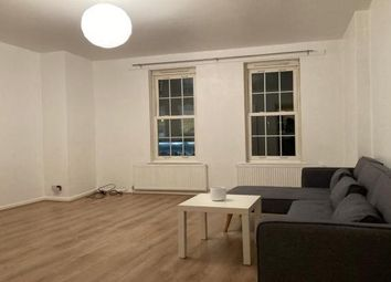 2 bed flat to rent in Castle Court, Buckingham MK18