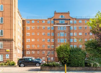 Stamford Court, Goldhawk Road, London W6. 2 bed flat